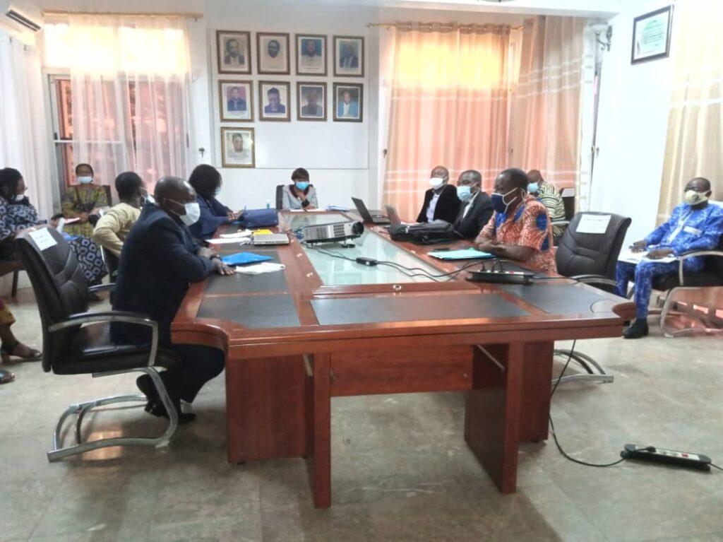 Droits de l'homme et entreprises : membres et personnel de la CNDH du Togo échangent sur la responsabilité sociale des entreprises